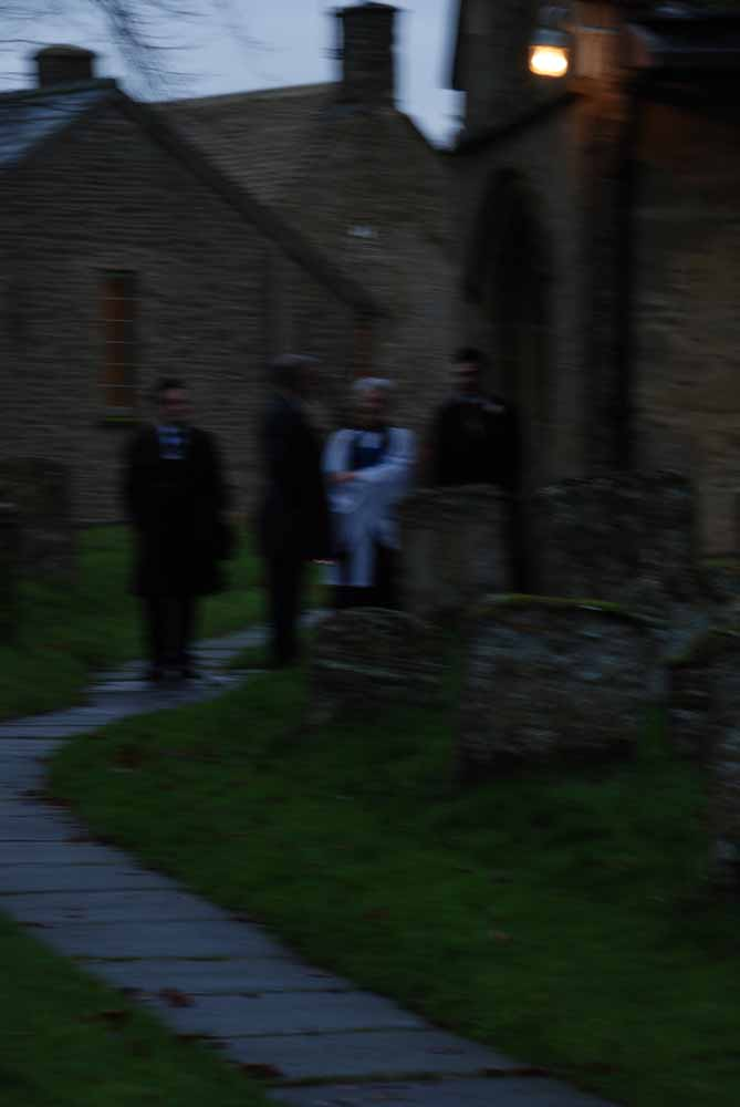 Bewogen beeld zonder flits. Slechte amateur bruidsfotograaf  voorbeelden