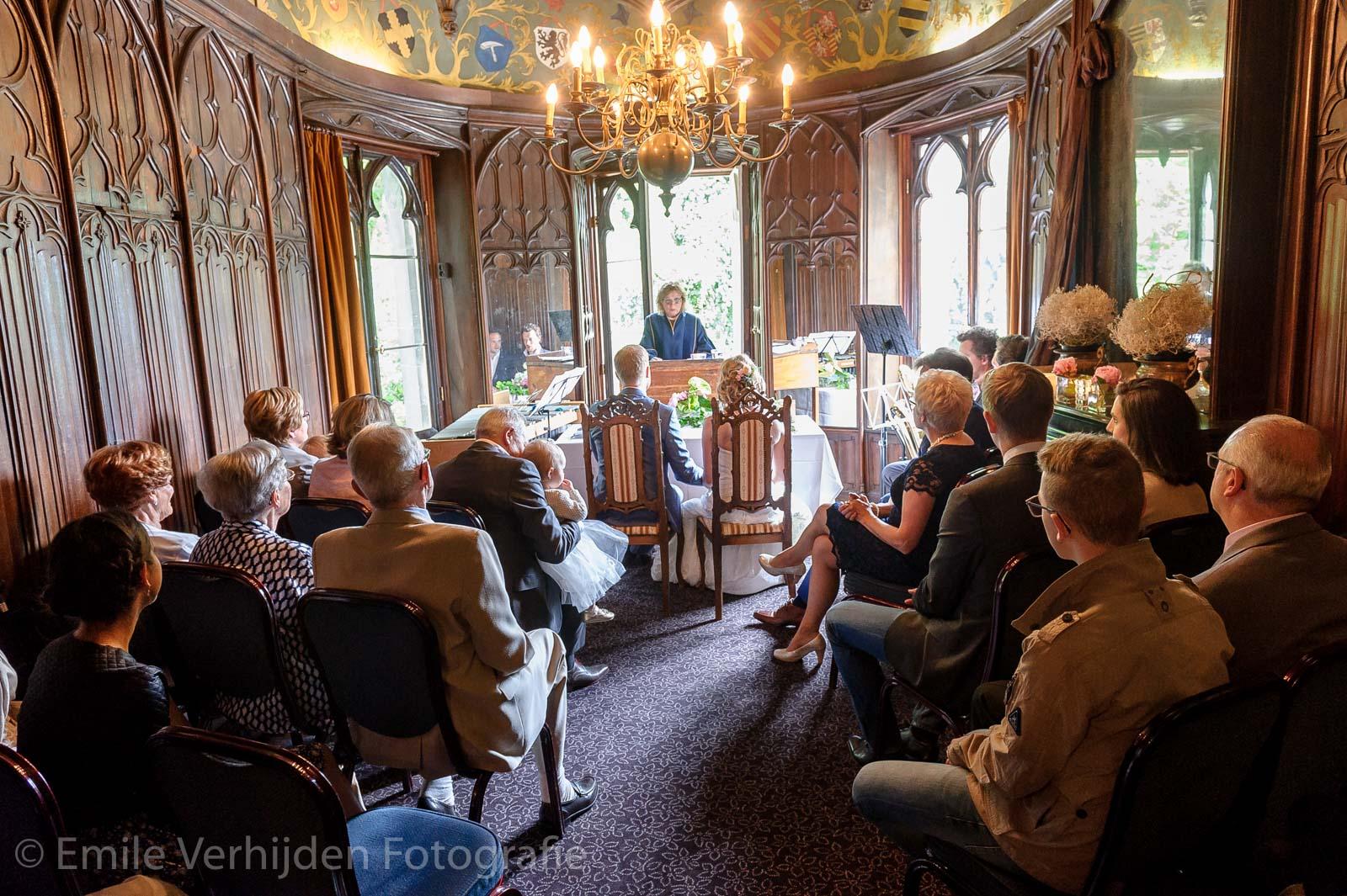 Het wettelijk huwelijk in de ridderzaal van Kasteel Elsloo