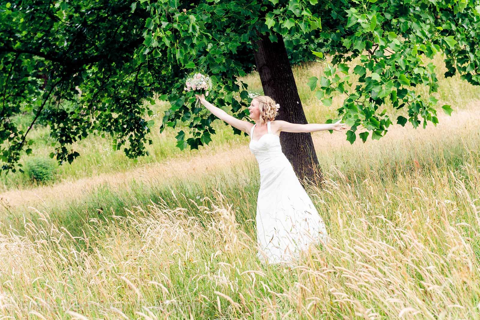 Dansen in het veld