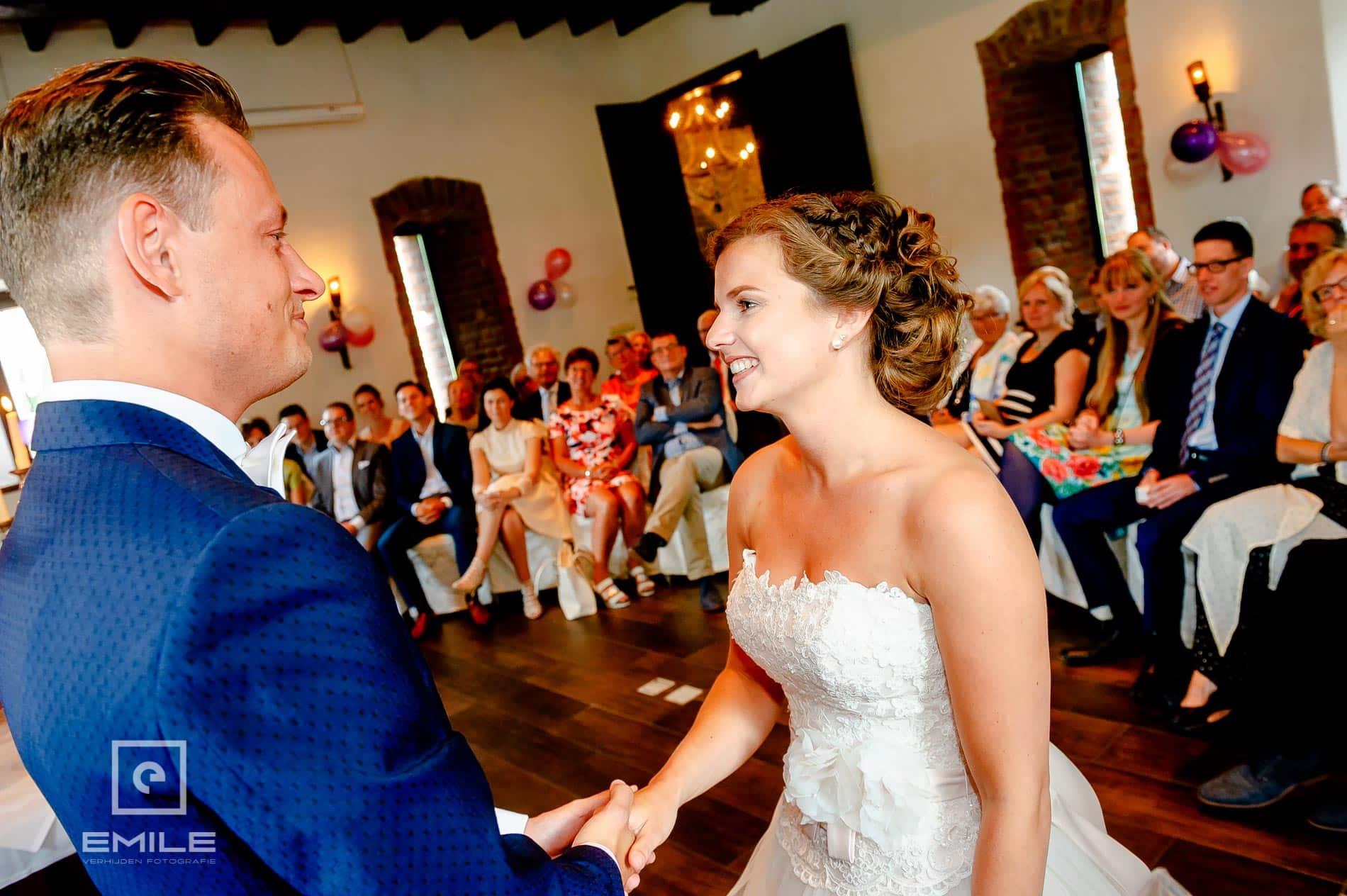 Het ja-woord. Bruidsfotograaf Limburg - Kasteel Daelenbroeck - Herkenbosch