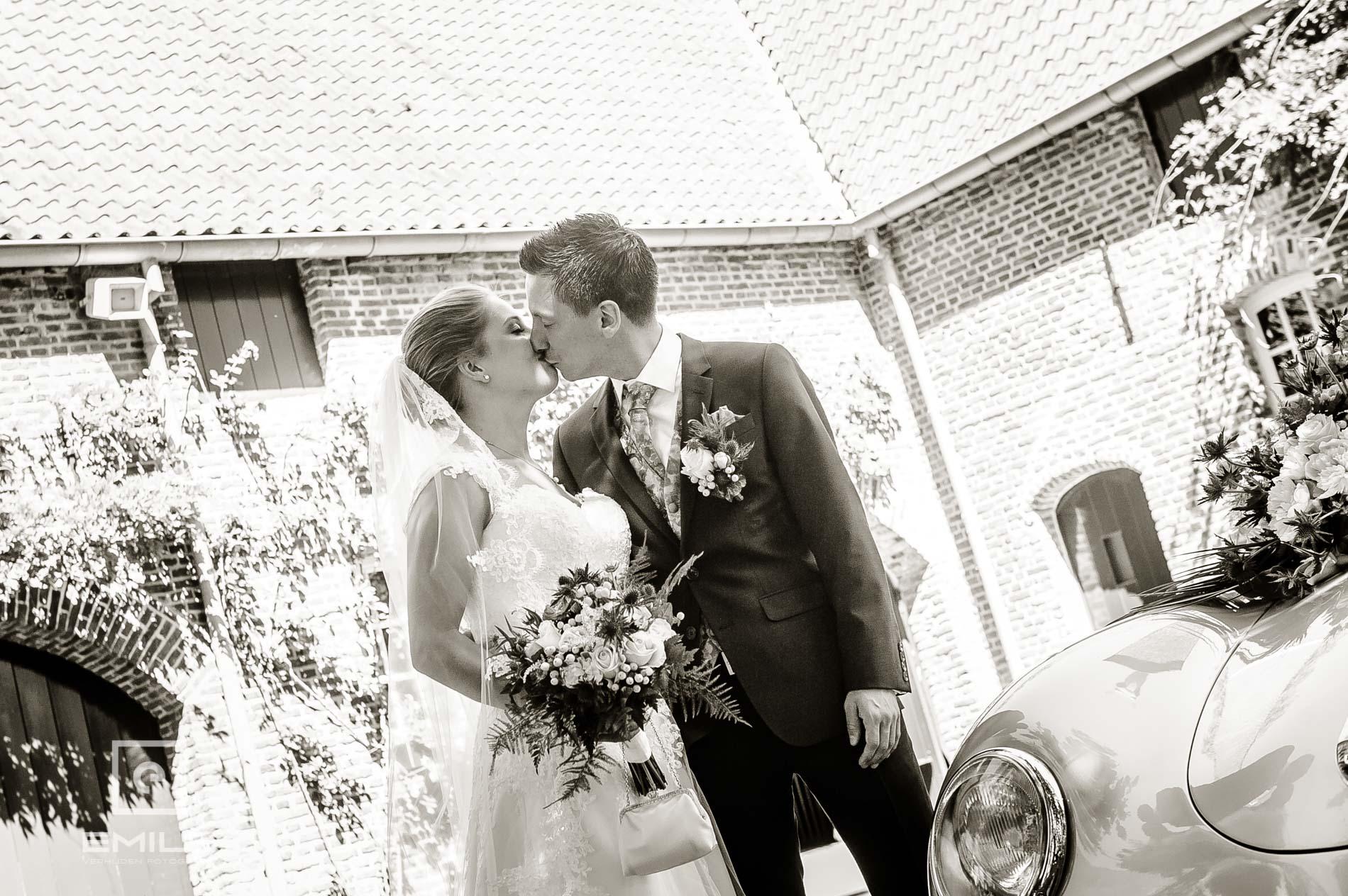 Bruidspaar bij Kasteeltuin Arcen