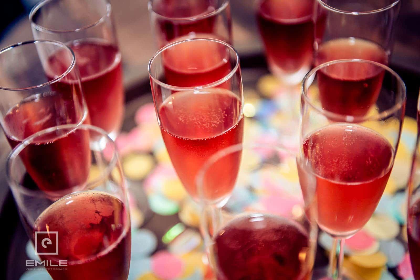 De bubbels staan al klaar om te starten voor de bruiloft in Wylre