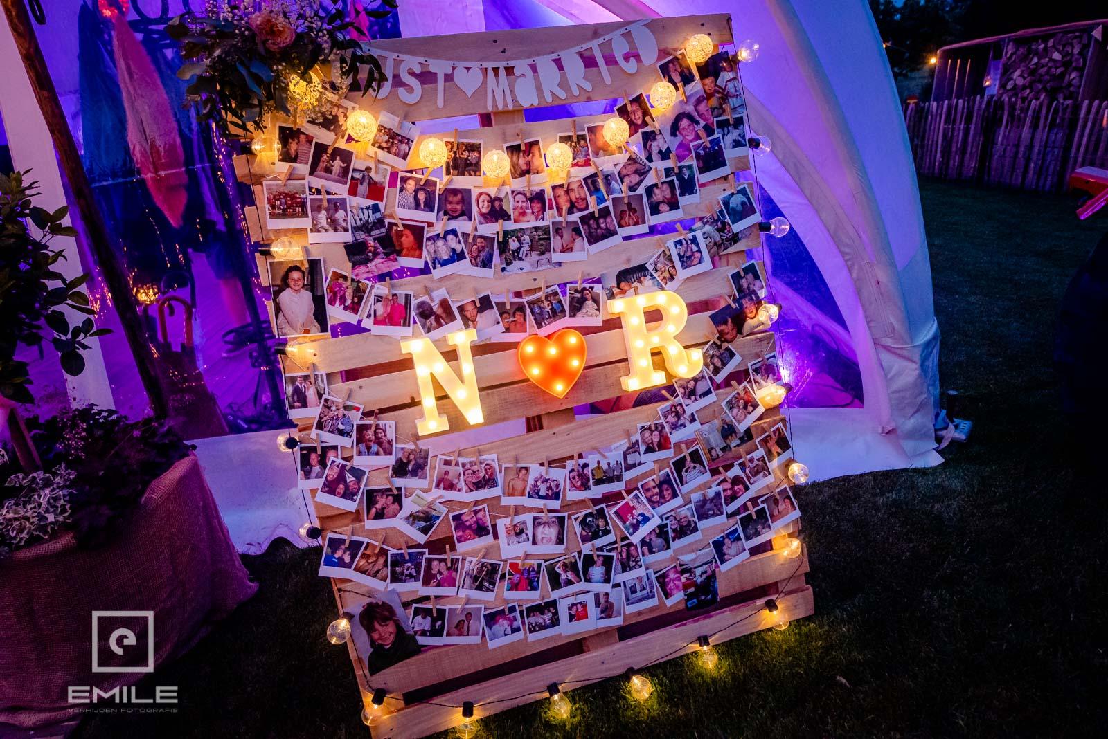 Het prachtige fotobord van het bruidspaar. Trouwen in Limburg.